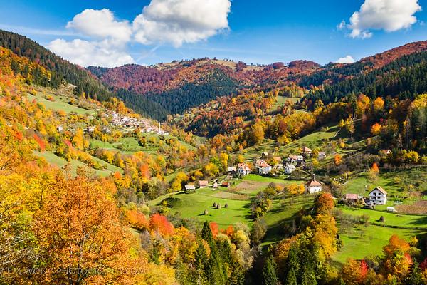 Village II, Bobovac