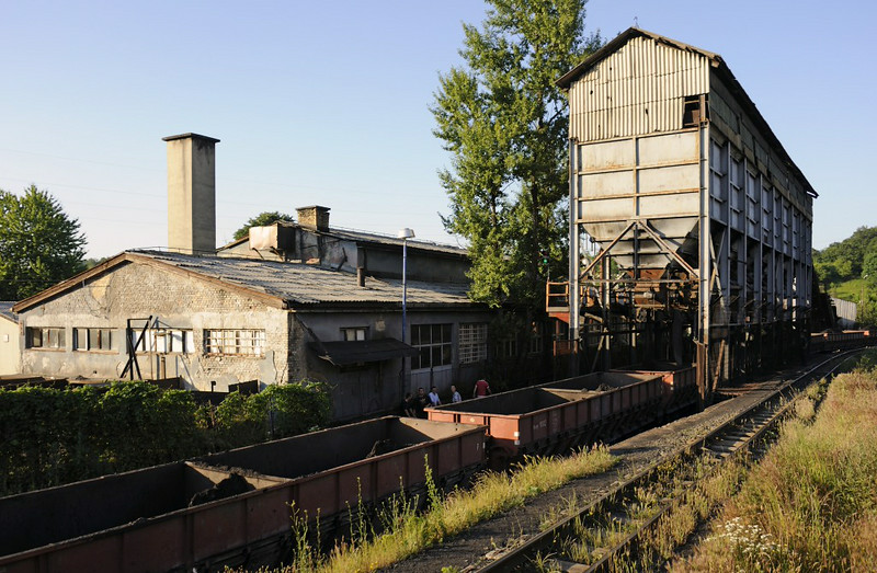 76cm gauge hopper wagons being loaded with coal, Banovici town, Bosnia-Hercegovina, Tues 10 June 2014 1.  740-107 was propeling the train through the loader.
