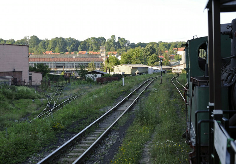 55-99, Banovici town, Bosnia-Hercegovina, Tues 10 June 2014.  The narrow gauge railway works is at left.  The coal loading point seen in the next photo is out of sight at right.