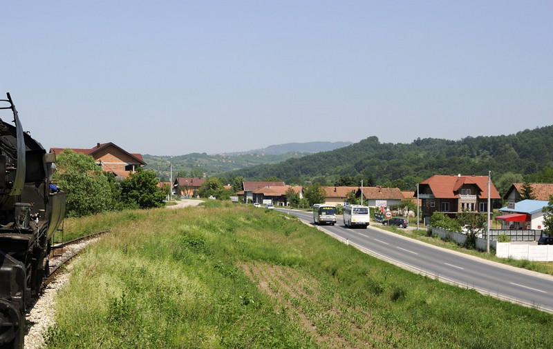 33-248, approaching Tinja, between Mramor and Srebrenik, Bosnia-Hercegovina, Tues 10 June 2014