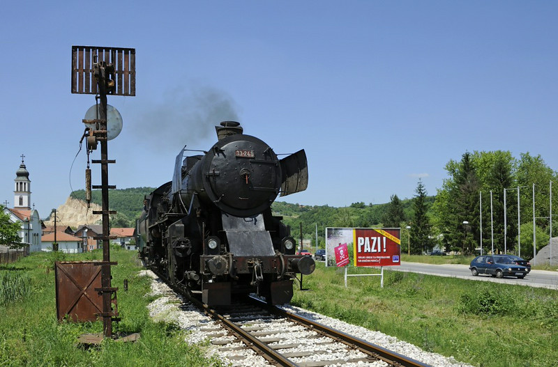 33-248, Duboki Potok, Bosnia-Hercegovina, Tues 10 June 2014 3  ...which conceals a minefield!