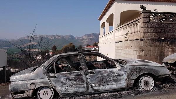 BRUTOS DE VÍDEO - Casas calcinadas por el incendio en Llutxent-Gandía