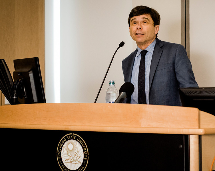 Boston Globe Spotlight reporter Mike Rezendes leads a discussion on 'The Power of Journalism in a Perilous Age'  at Fitchburg State University on Wednesday, April 12, 2017. SENTINEL & ENTERPRISE / Ashley Green