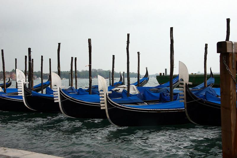 Gondola's waiting for passengers
