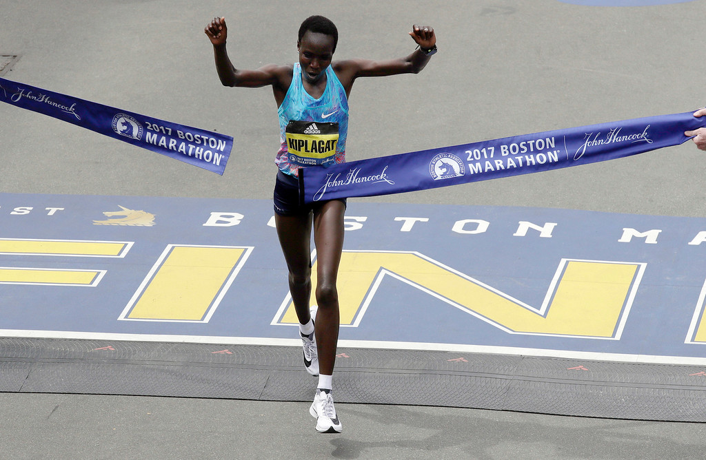 . Edna Kiplagat, of Kenya, wins the women\'s division of the 121st Boston Marathon on Monday, April 17, 2017, in Boston. (AP Photo/Charles Krupa)