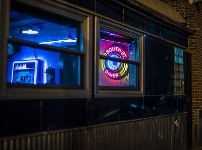clock South Street Diner