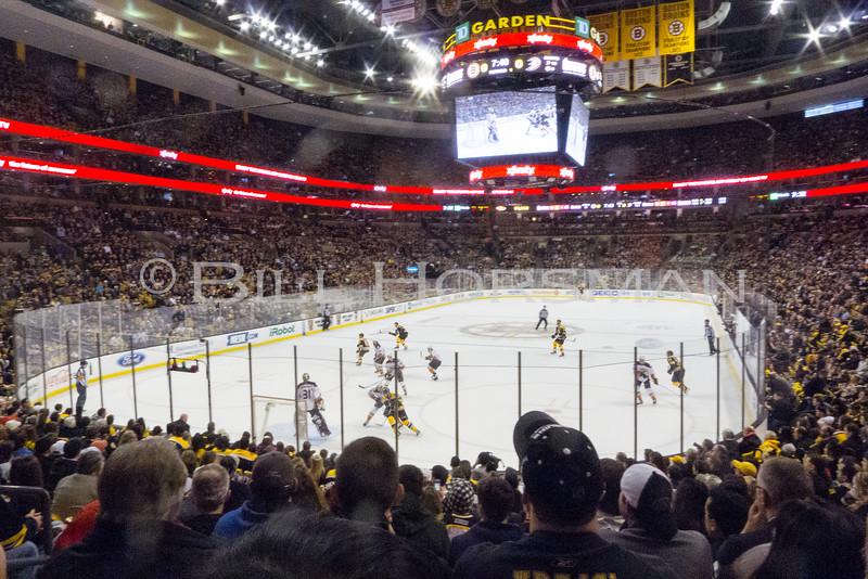 15-BruinsHockey-21