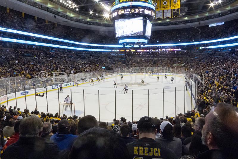 15-BruinsHockey-19