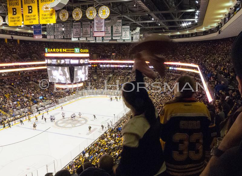 15-BruinsHockey-25