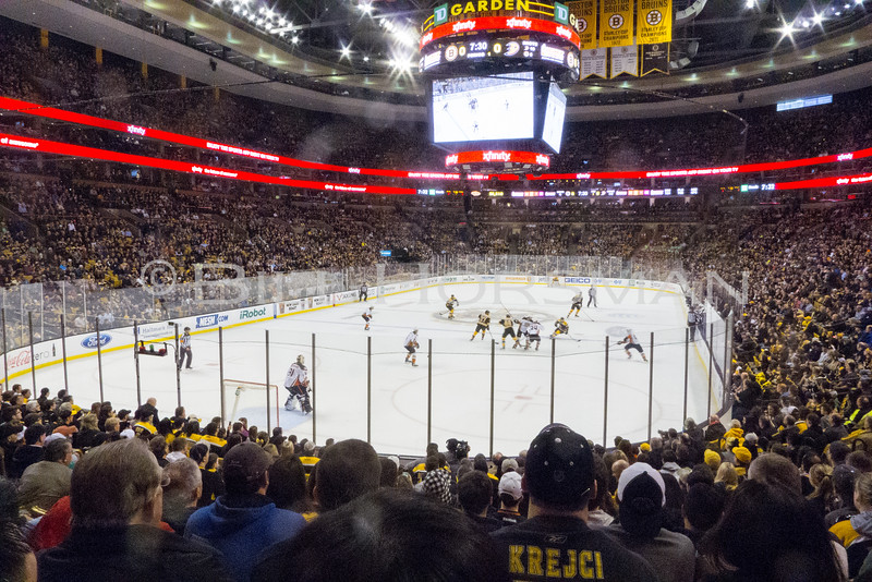 15-BruinsHockey-22