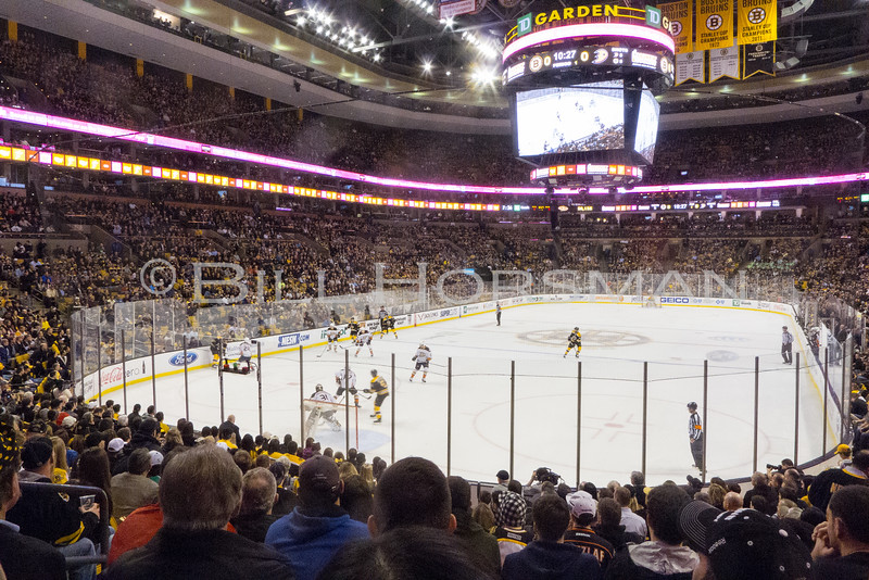 15-BruinsHockey-16