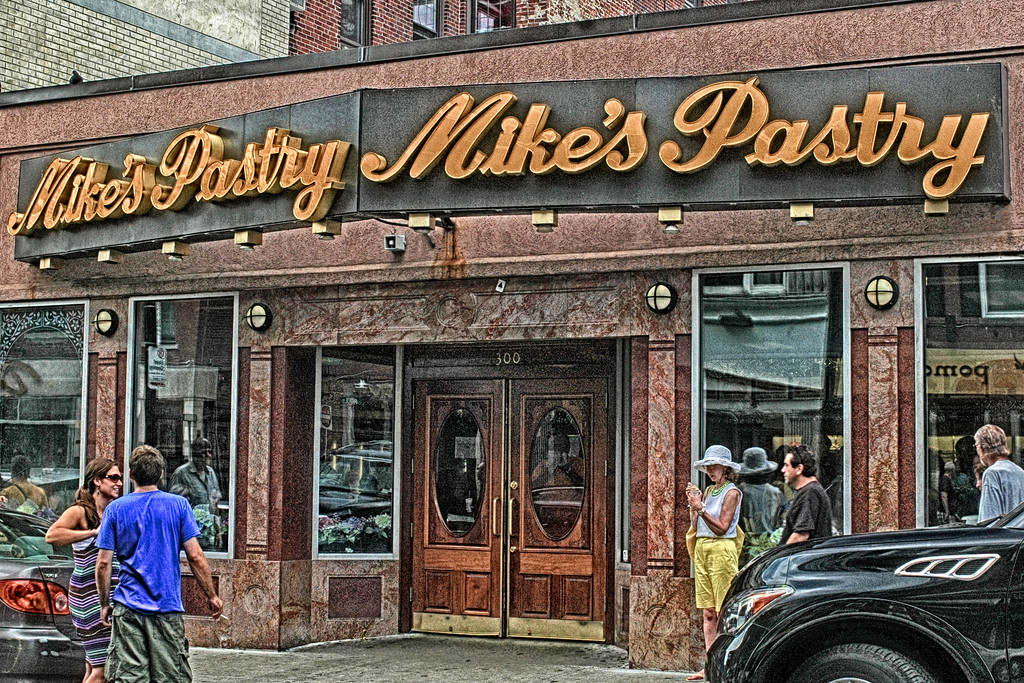 Mike's Pastry - Boston
