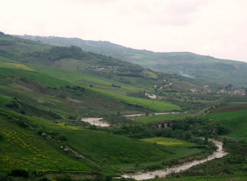 (between Naples and Gargano)
