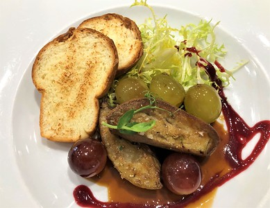 Grilled duck Foie Gras with Port Wine Sauce 495,- Kč