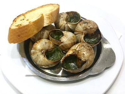 Grilled Escargots à la Bourguignonne  235,- Kč