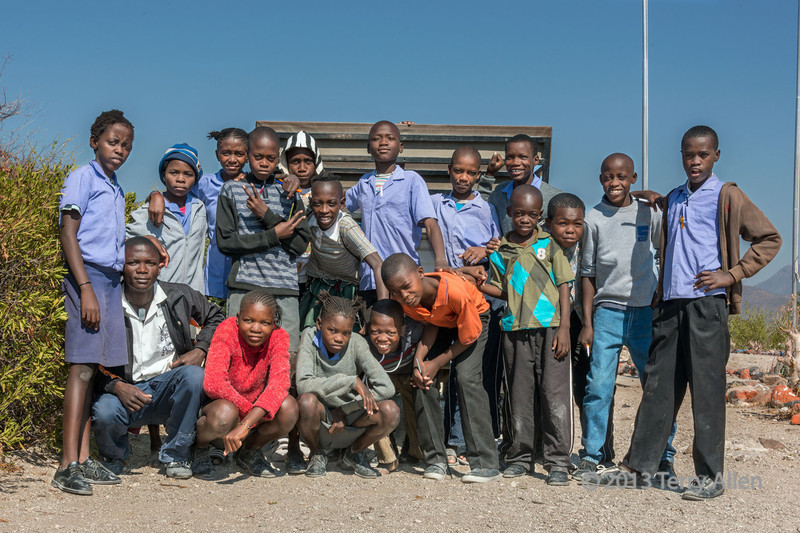 Group-of-school-children,-Epupa,-Namibia