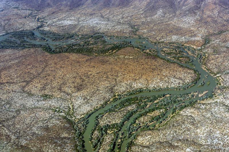 Kunene-River-from-the-air,-Angola-Namibia-border