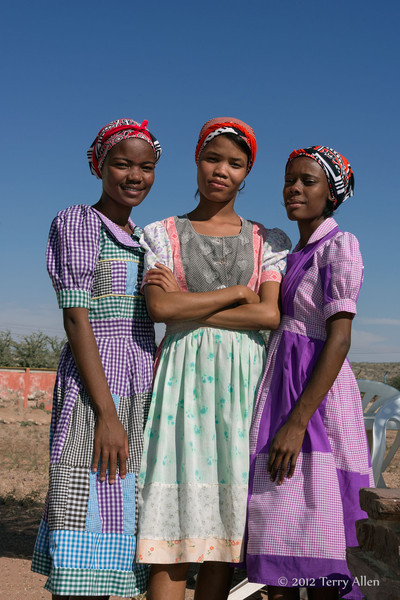 Three-young-women,-Maltahohe (on the way to Sossusvlei)