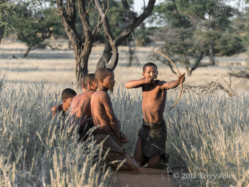 Bushmen-demonstrating-hunting-technique-8,-Intu-Africa