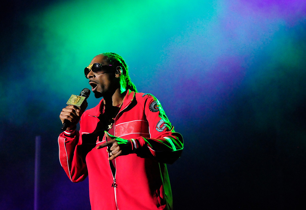 . NAPA, CA - MAY 26, Snoop Dogg performs on the Midway Stage during the second day of BottleRock Napa Valley Music Festival. (CHRIS RILEY/TIMES-HERALD)