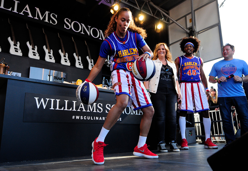 . NAPA, CA- MAY 27, Hoops Green with the Harlem Globetrotters performs tricks before cooking with Trisha Yearwood on the Williams Sonoma Culinary Stage at the BottleRock Napa Valley Music Festival on Sunday.
