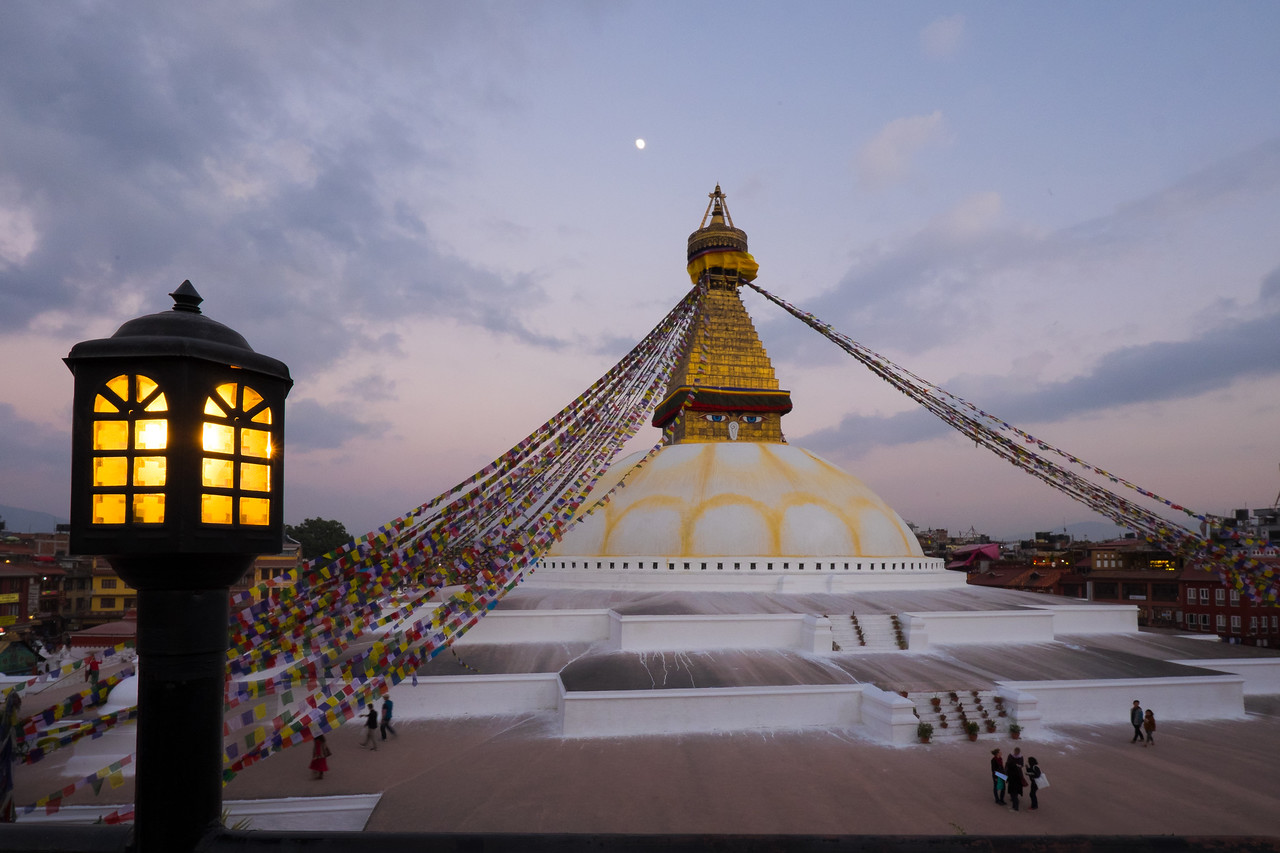 Light offering to the stupa