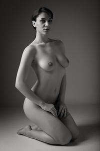 Roxy Mendez - studio nude