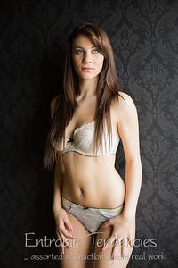 Roxy Mendez - natural light boudoir