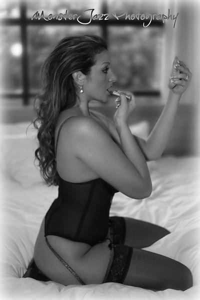 Model Lola Grey