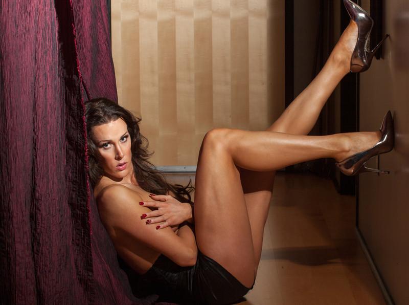 http://www.eddevereaux.com/Clients/Models/Shannon-Boudoir/i-CsZXfL5/0/L/Portland%20Boudoir%20Photography%20Photographer%20Ed%20Devereaux%20photo-386-L.jpg