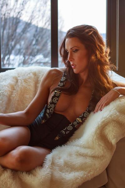 https://www.eddevereaux.com/Clients/Models/Shannon-Boudoir/i-w9zSnx8/0/L/Portland%20Boudoir%20Photography%20Photographer%20Ed%20Devereaux%20photo-199-L.jpg