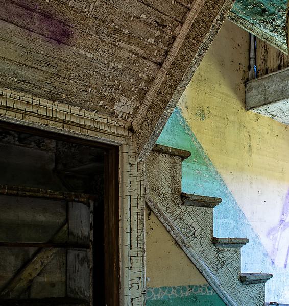 Hoot House-Angles