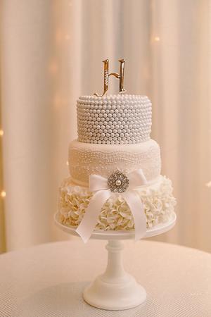 cake by:Laura Castillo