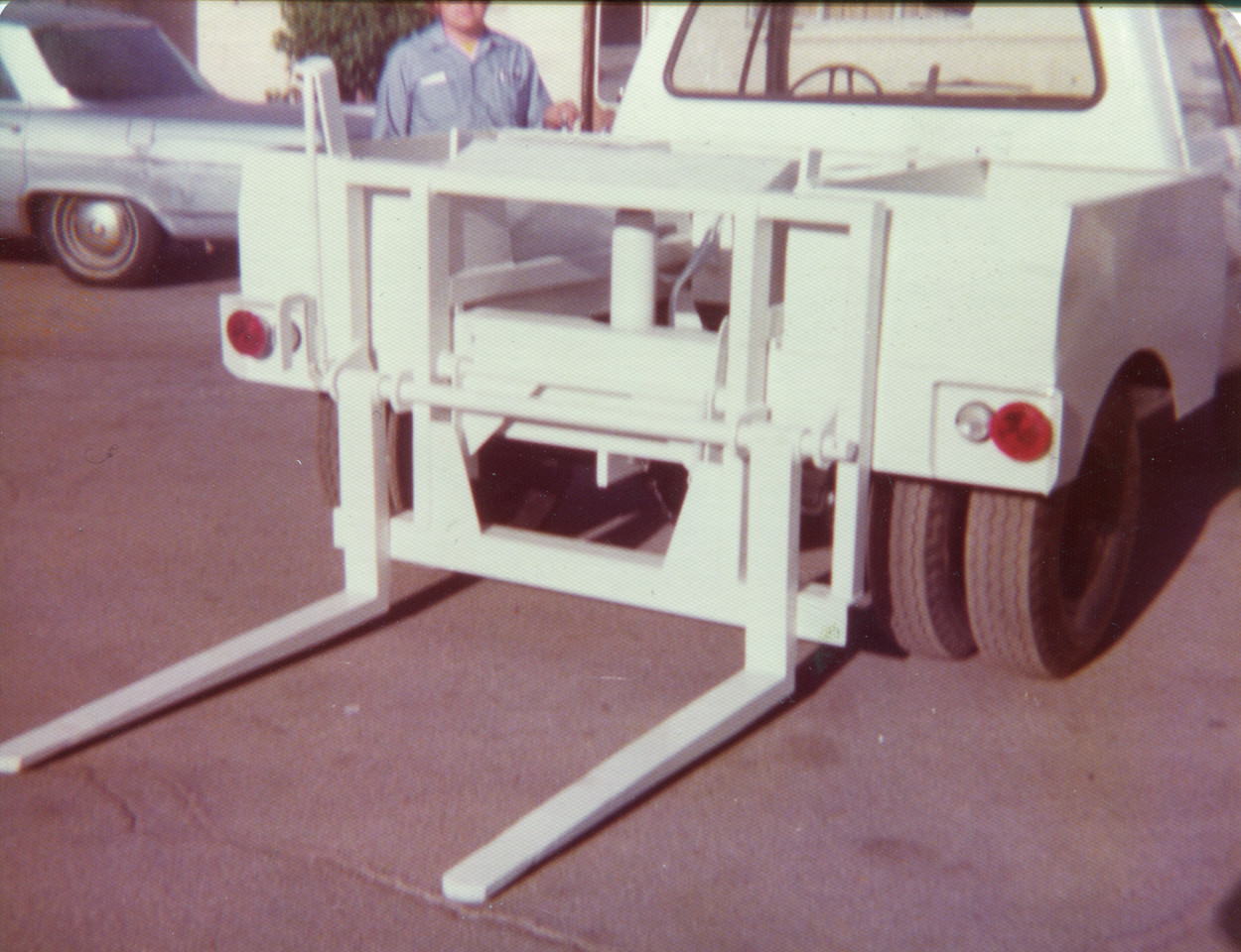 Bowles Container Delivery (Stinger) Truck