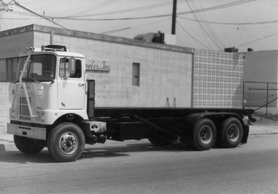 Mack F-series Cabover with Bowles 22' Roll Off Frame