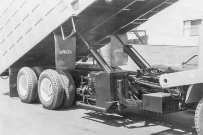 Detail of pony motor while body is raised