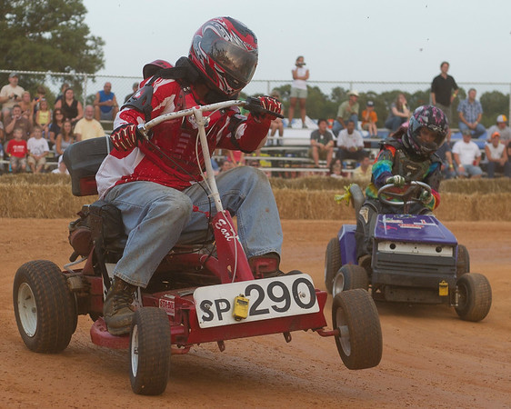 Bowles Farm Lawn Mower Races & Horse Pulls
