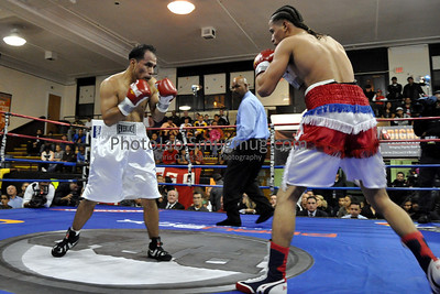 10/16/10 Second Bout in Union City, NJ: Raul Lopez, fighting out of the Bronx, improved to 5-1 with another 4 round unanimous decision victory over Union City fighter Giraldo Rosas (now 0-2), in a rematch of a tough fight this past July.