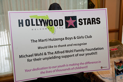 17th Annual Hollywood Welcomes the Stars