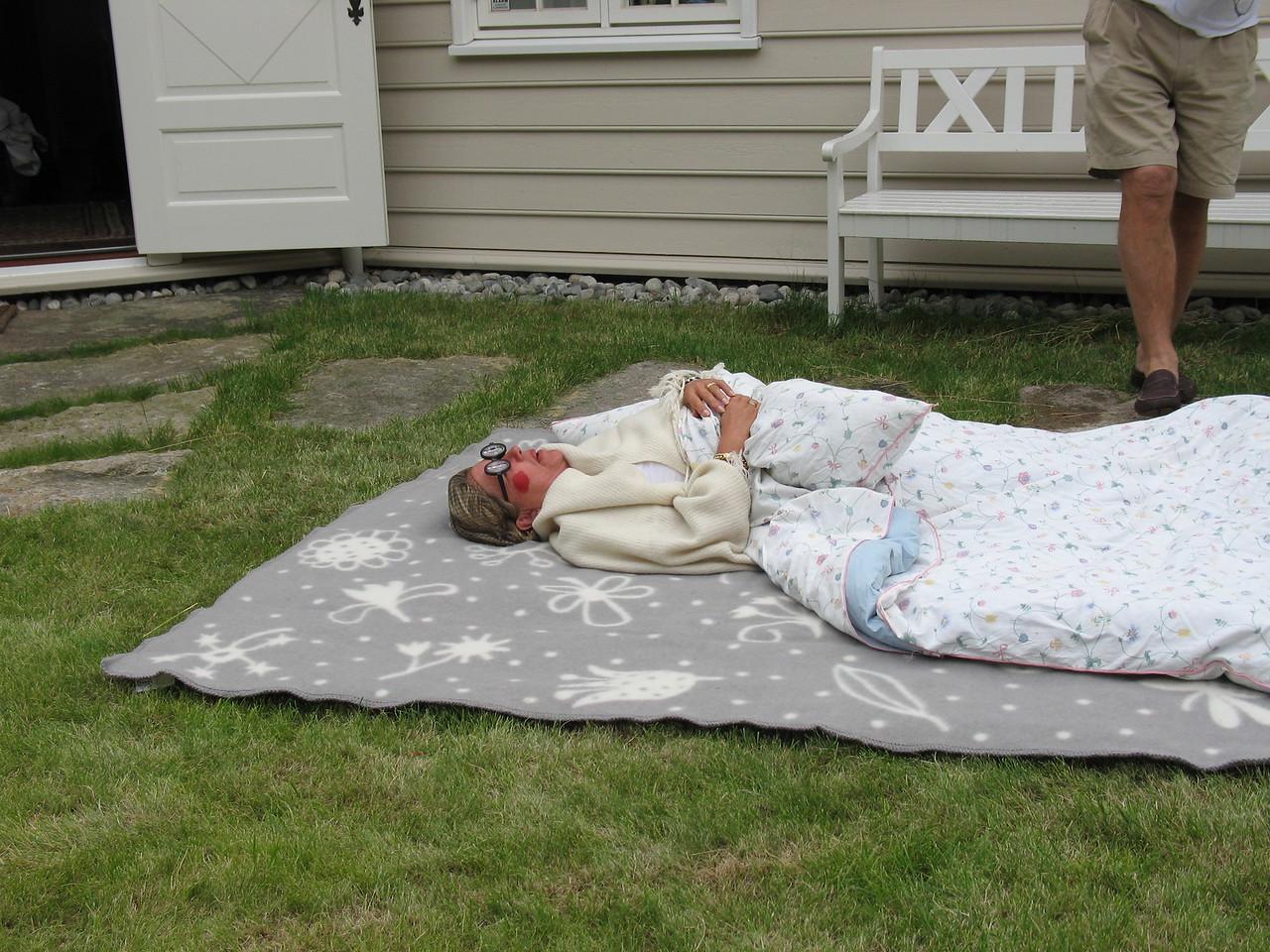 Bestemor (Ellen) venter på Rødhette