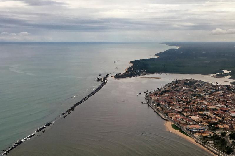 Foz do Rio Buranhém em Porto Seguro