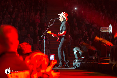 Brad Paisley | Save On Foods Memorial Arena | Victoria BC