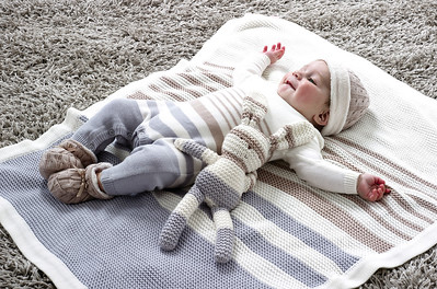 Striped Knitted Bunny & Blanket (Grey)