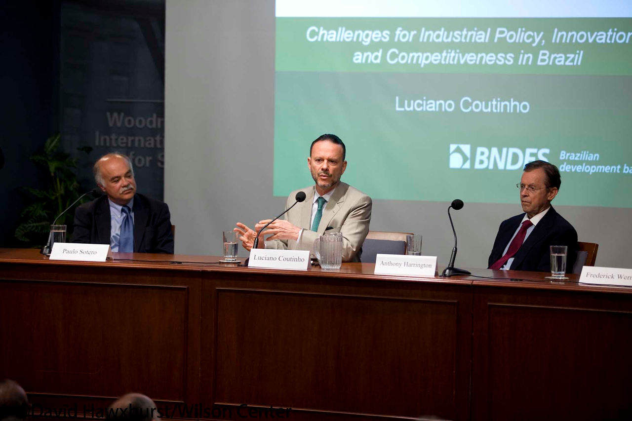 Challenges of Industrial Policy, Innovation and Competitiveness in Brazil<br /> <br /> Speaker(s): Luciano Coutinho, Anthony Harrington