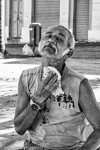 Ice Cream Seller is freshen up, Joao Pessoa, Paraiba State