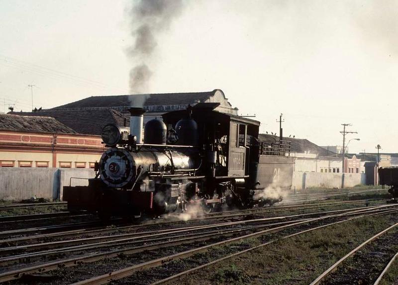Viacao Ferrea Centro-Oeste (VFCO) No 21, Sao Joao del Rei, 16 October 1976 1.  4-4-0 built by Baldwin (38008 / 1912).  Photo by Les Tindall.