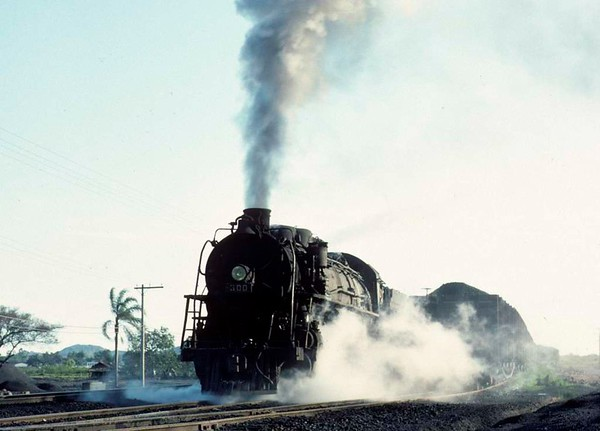 Dona Teresa Cristina Railway 2-10-4 No 300, Capivari washing plant, Brazil, 21 October 1976.  Restarting a heavy coal train for the docks at Imbituba.  This loco has been preserved.  Photo by Les Tindall.