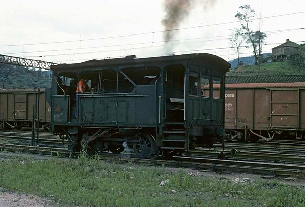 Paranapiacaba station, Santos a Jundiai Railway, Brazil, 18 October 1976.  No 14 built by Robert Stephenson in 1902 goes on shed.   Photo by Les Tindall.