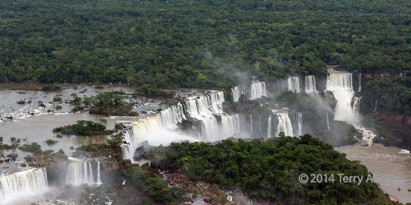 Iguazu-Falls,-Iha-do-Sao-Martin-and-St
