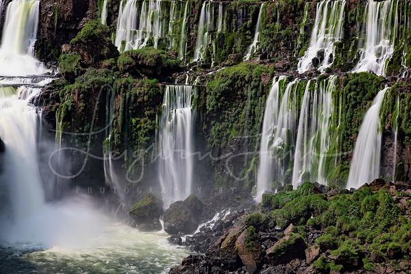 Argenntine side Iguazu close up